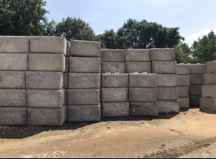 4 ft decrative style blocks 2300 lbs